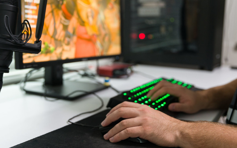 left-handed-gaming keyboard choose feat